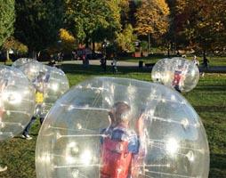 företagsaktivitet, företagsaktiviteter, teambuilding, kick off, bubbleballs, bubble balls, bumperballs, bumper balls
